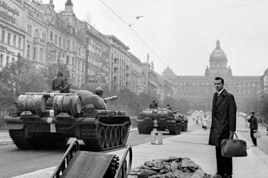 Megemlékeztek a Varsói Szerződés harci alakulatainak csehszlovákiai inváziójáról