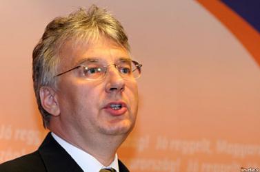 KMKF: Semjén szerint naponta 800-an kérvényeznek magyar állampolgárságot