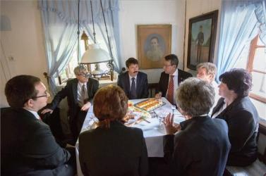 A szlovák kisebbségi önkormányzat tagjaival tárgyalt Áder János Szarvason
