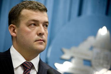 Botrány: a miniszter autóját is megbabrálták