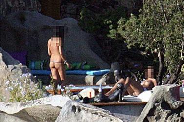 Topolánek meztelenül bulizott Berlusconinál?