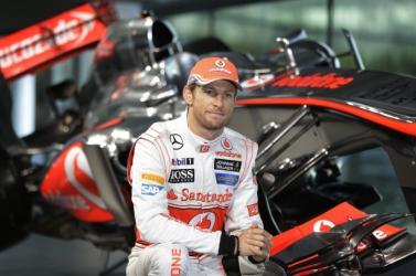 Monacói Nagydíj - Button helyettesíti Alonsót