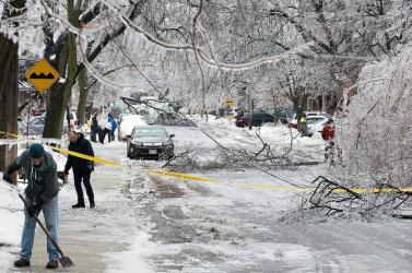 Jégvihar tombolt karácsony előtt Torontóban