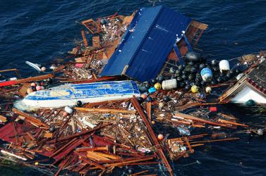 Rádioaktív cézium és tengeri törmelék Fukushima hagyatéka