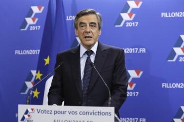 A franciaországi köztársaságielnök-jelölt felesége fiktív parlamenti állásokban félmillió eurót kapott
