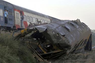 BALESET: Súlyos vonatszerencsétlenség Kairóban