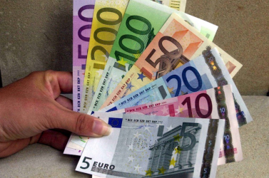 Nyugalmasabb évek jönnek a világgazdaságban, de az euró kockázat