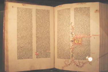 Gutenberg-bibliát lopott egy KGB-s ezredes