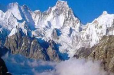 HIMALÁJA: Nepál a hibás időjárás-előrejelzést okolja a szerencsétlenségekért