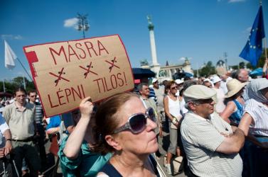 Antifasiszta tüntetés a Horthy-korszak restaurációja ellen
