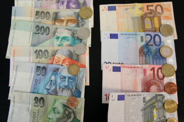 Úgy osztanák ketté az eurót, mint a csehszlovák koronát?