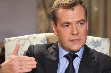 Medvegyev óvott az energiaszállítás kérdésének átpolitizálásától
