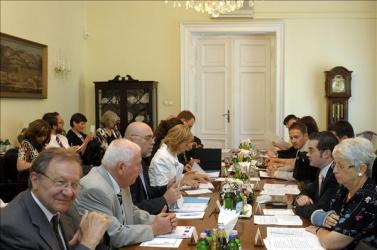 Nem közeledtek az álláspontok a szlovák nyelvtörvény ügyében