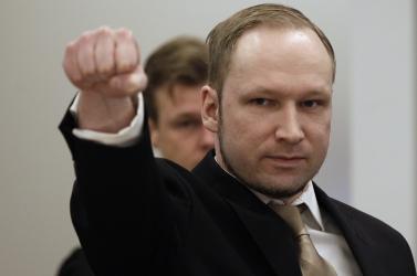 Megkezdődött a tömeggyilkos Breivik pere