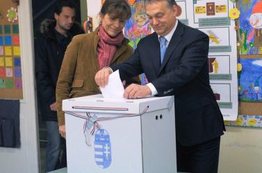 Lemondott az MTI fotószerkesztőségének vezetője, mert fotósának megtiltották, hogy lefotózza a szavazó Orbánt