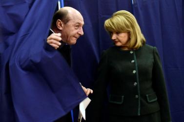 Romániai választások - A román elnök a magyarokat buzdítja szavazásra
