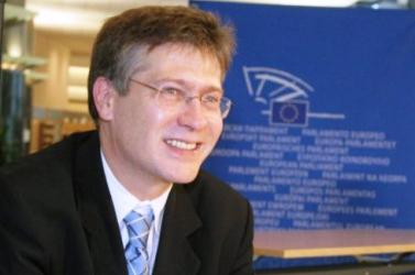 Az SZDSZ nem támogatja a szlovák nyelvtörvénnyel kapcsolatos Magyar Nyelv Alapot
