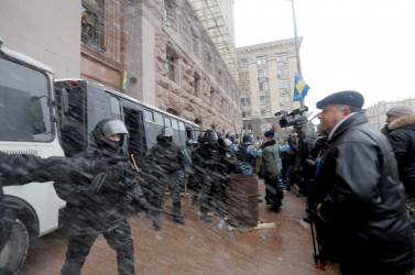 Ukrán válság: Kijev szerint több mint tíz települést lőttek a szakadárok