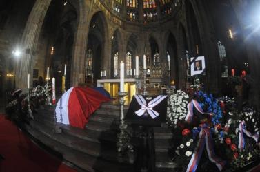 2011 - Világhírű hősök, zsarnokok és terroristák halálának éve