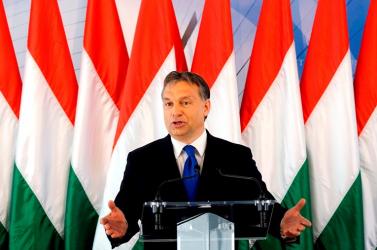 BRÜSSZEL: Orbán megadta magát Barrosónak?