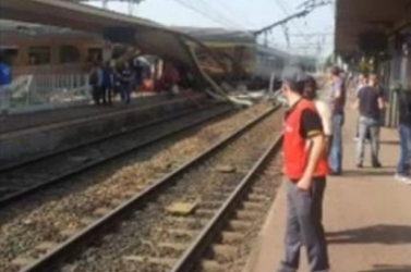 Egyiptomban kiskiklott egy katonai vonat