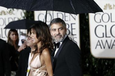 Filmmorzsák: Clooney mint aggódó apa, Soderbergh pedig fertőz