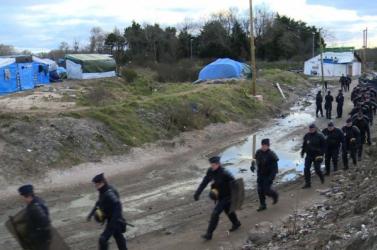 Ismét kiürítik a franciaországi menekülttábort