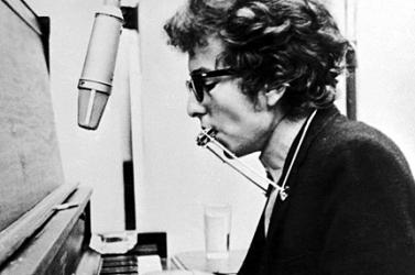6 könyvről szóló szerződést írt alá Bob Dylan