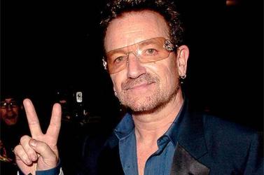 Kiderült, miért hord Bono napszemüveget