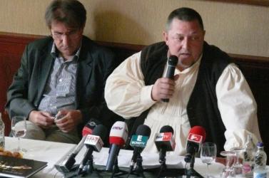 HŰHA: Eperjes Károly otthagyta Vidnyánszkyt, távozik a Nemzeti Színháztól