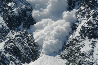 Lavinában szörnyethalt egy veterán hegymászó a világ második legmagasabb hegycsúcsán