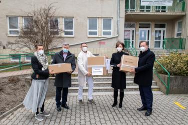 Magyar lélegeztetőgépek érkeztek a dunaszerdahelyi kórházba