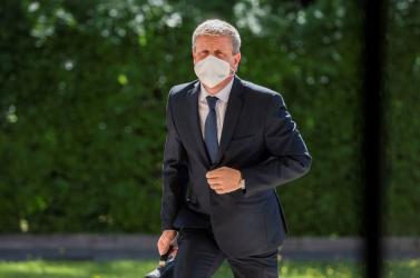 Már a vírus ellenikötelező oltás lehetőségét vizsgálja a minisztérium