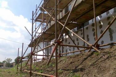 Elloptak 15 méternyi építkezési állványzatot az éjszaka Ollétejedről