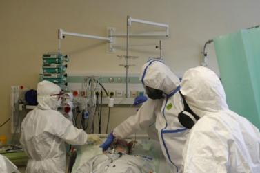 A világon először végeztek élő donoros tüdőátültetést japán orvosok koronavírusos betegen