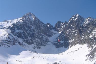 Meghalt a snowboardos, akit lavina sodort el a Magas-Tátrában