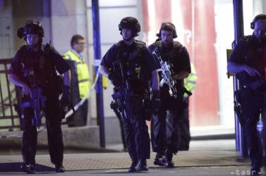 Londoni merénylet - Marad a terrorkészültség szintje, felfüggesztették a választási kampányt