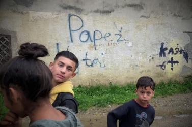 Luník IX: Pápai áldásra vár a kassai nyomornegyed – VIDEÓ