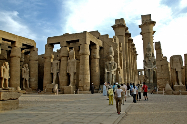 A luxori nekropolisz egyik legnagyobb, 3500 éves sírhelyét tárták fel Egyiptomban