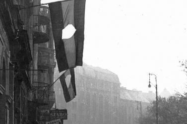 Lyukas zászló a mai nemzeti ünnepünk jelképe