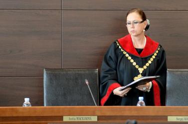 Ivetta Macejková nem dönt a bírók vizsgálati fogságáról, maga lépett vissza