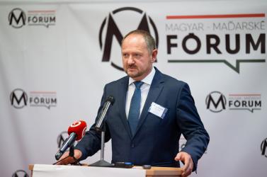 Kevés a magyar hely Besztercebánya megye középiskoláiban, Simon Zsolt szerint sérülnek a gyerekek jogai, ezért az ombudsmanhoz fordult