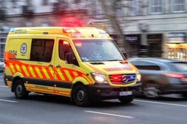 Szörnyű baleset: három ember meghalt a Győr felé vezető úton