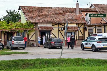 Egy cseréppel szabadította ki magát a deáki étteremtulaj, majd mentőt hívott a feleségéhez
