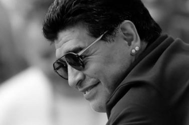 Nápoly összetört, az emberek nem hitték el Maradona halálhírét