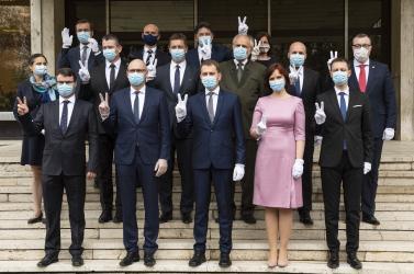 """Egy éve alakult a """"valaha volt legjobb szlovák kormány"""", várhatóan már csak néhány napig él"""