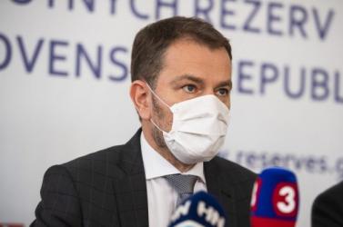 Matovič azt javasolja, hogy a diákok az első két hétben az osztálytermekben is viseljék kötelezően a szájmaszkot