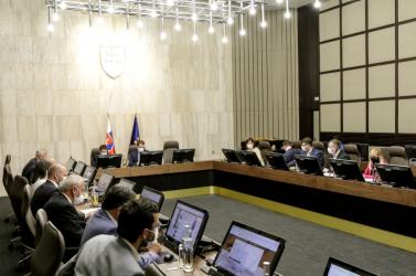 Június 26-ig biztosan marad az ellenőrzés a szlovák határokon