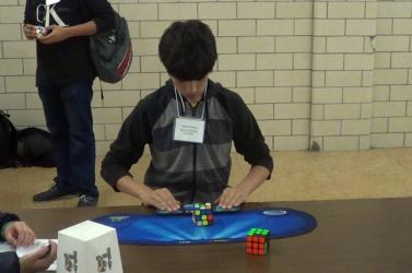 15 éves a Rubik-kocka új világrekordere (Videó)