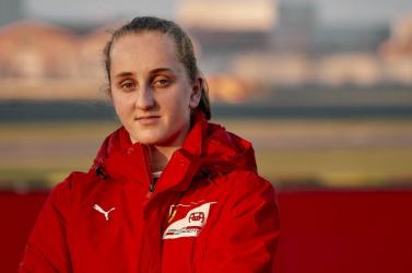 Először tesztel női pilóta a Ferrari Forma-1-es akadémiáján